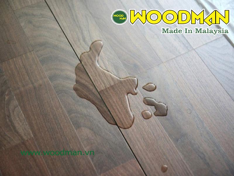 Sàn gỗ công nghiệp có khả năng chịu nước tốt sẽ có độ bền cao hơn