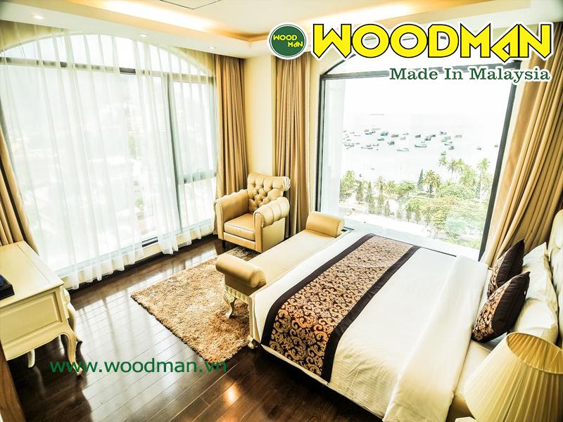 Sàn gỗ công nghiệp Malaysia lắp đặt biệt thự ven biển