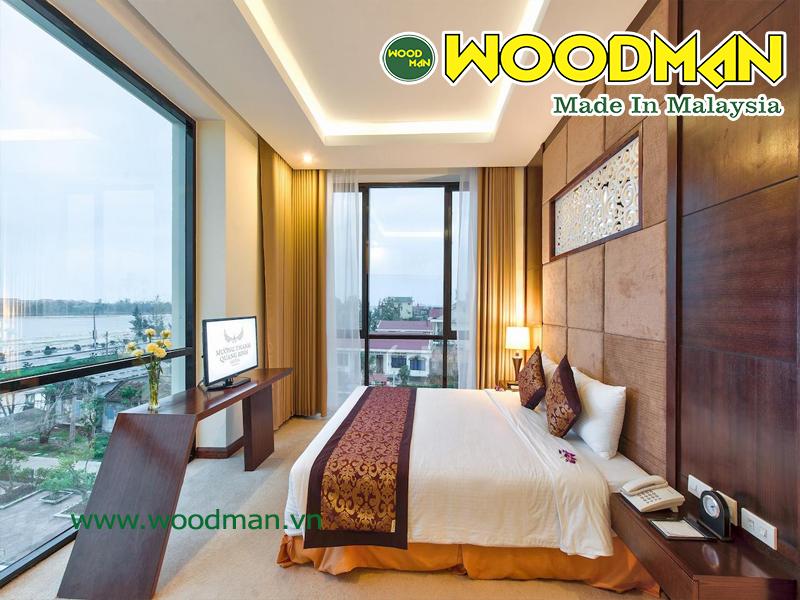 Sử dụng rèm cửa để bảo vệ độ bền của sàn gỗ